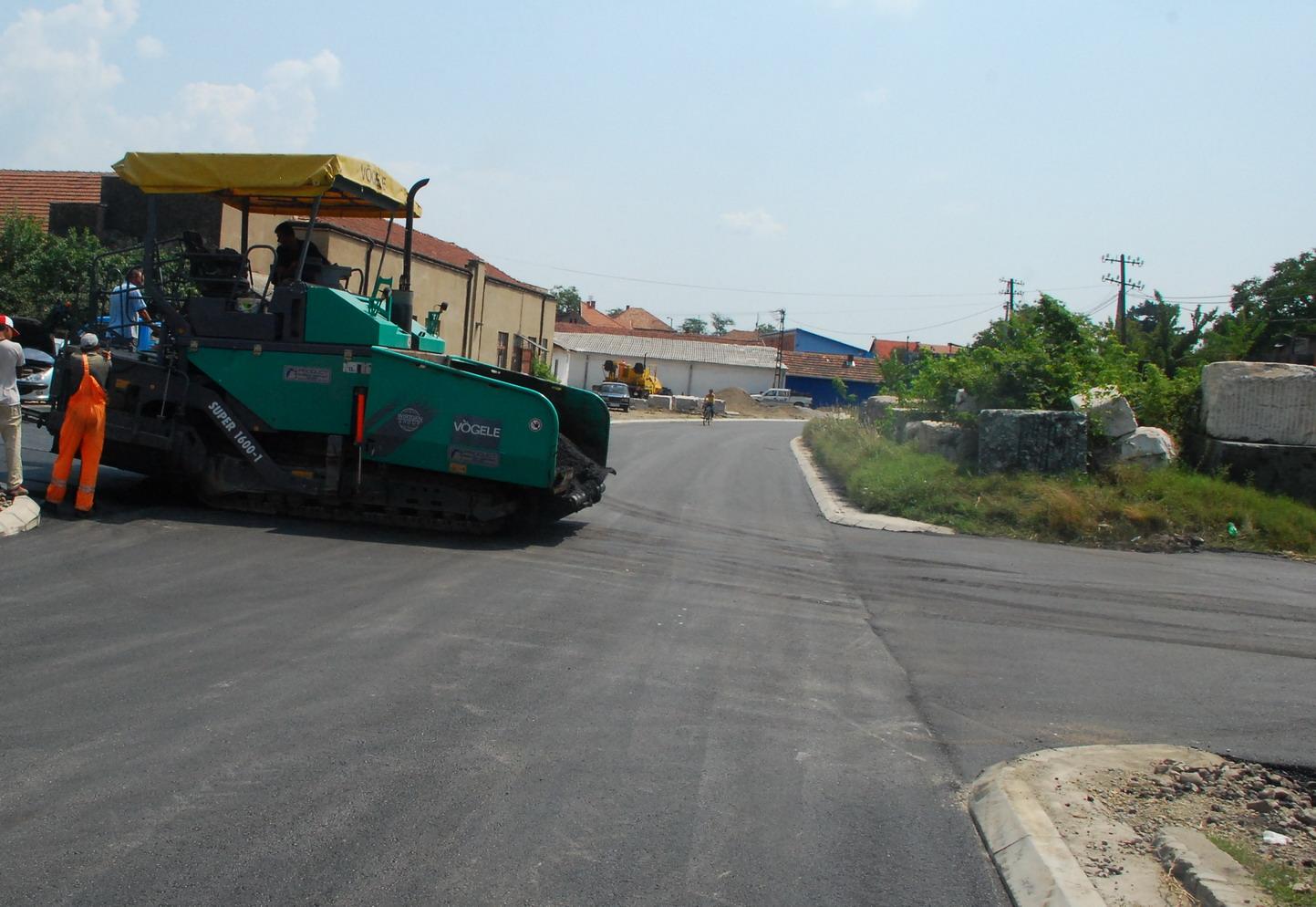 pirot asfaltiranje ulice sesti kolosek